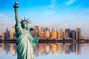 Demain c'est New York Posté le 27 avril 2014 La première fois c'est toujours excitant, je l'avoue je le suis et les enfants aussi.  Je ne me suis pas pris la tête pour préparer la voyage, il suffit de  faire un petit tour sur le net et voilà. Et puis je ne suis pas du genre à stresser.  Tout est prêt:  Passeport, ESTA (entrée USA), Carte d'embarquement, photocopies des docs,dollars (plus avantageux d'effectuer son change en France) Les fringues,les sacs vides/aller  - remplis/retour.  La location c'est AIRBNB, un appart à Brooklyn près de Pospect Parc.  Pour voir le logement:  https://www.airbnb.fr/rooms/1174989  Départ le 28/04 à 8H30 Arrivée à 13H30 à JFK NewYork  A bientôt  Cisco